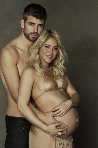 http://www.fashionassistance.net/2013/01/shakira-y-pique-sus-fotos-mas-intimas-y.htmlFashion Assistance: Shakira y Piqué, sus fotos más íntimas y solidarias para UNICEF