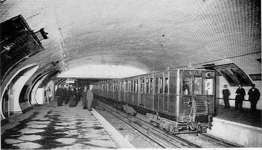 Paris Metro: La station République, 18 November 1904