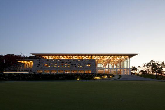 Galeria de Nine Bridges Country Club / Shigeru Ban Architects - 6