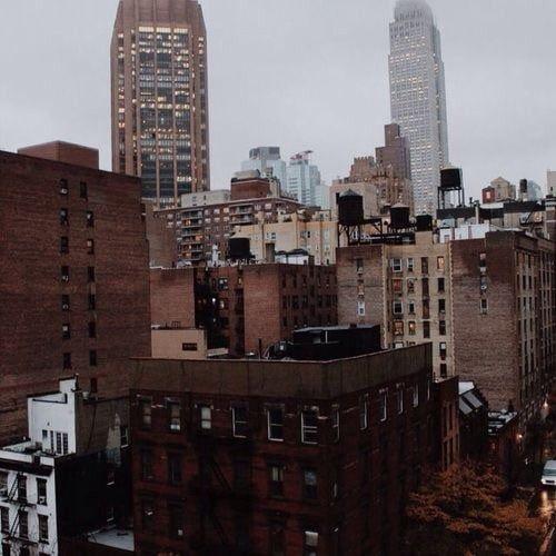 Bild Von Tired But Groovy Entdeckt Entdecke Und Speichere Deine Eigenen Bilder Und Videos Auf We Heart It Brown Aesthetic City Instagram