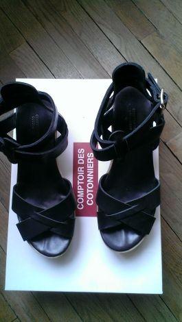 Je viens de mettre en vente cet article  : Sandales compensées Comptoir Des Cotonniers 70,00 € http://www.videdressing.com/sandales-compensees/comptoir-des-cotonniers/p-3829431.html?utm_source=pinterest&utm_medium=pinterest_share&utm_campaign=FR_Femme_Chaussures_Sandales%2C+nu-pieds_3829431_pinterest_share
