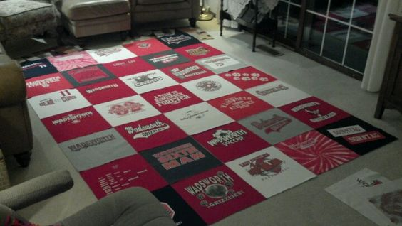 day 4 of my t shirt blanket continue cutting t shirts and lay out