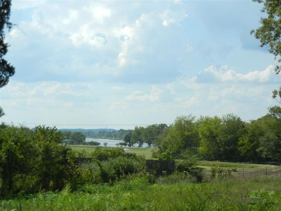 Excellent building lots with view of the Tennessee River! All utilities and no restrictions! in Clifton TN