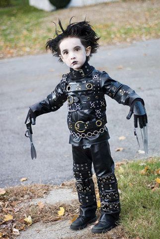 just awesome! Mini Edward Scissor Hands costume, too cute!