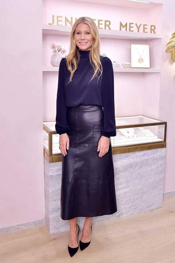 Hot or Not - Gwyneth Paltrow  in total blue con longuette in pelle