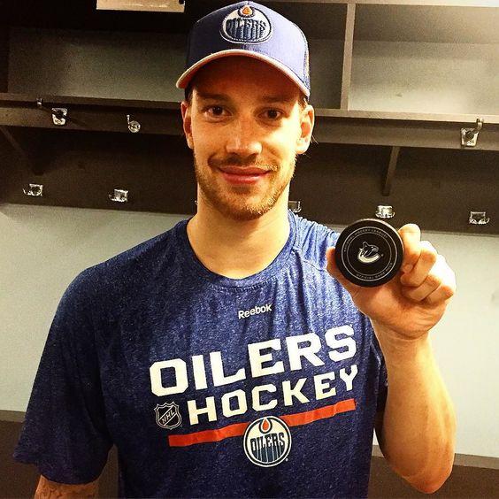 "edmontonoilers: ""Last night Cam tonight Anders! First #Oilers win! #EDMvsVAN #OilCountry #milestones #winning"""