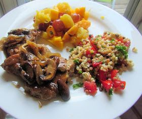 21 Day Fix Recipes: Pork Tenderloin Medallions with Shallot Mushroom Gravy, Couscous salad and fresh fruit