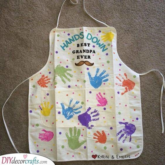 Full Of Hands Apron Ideas For Grandad In 2020 Grandparent Gifts Christmas Gifts For Parents Grandpa Gifts