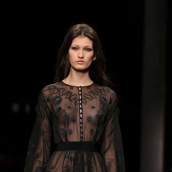Grife aposta em transparência na semana de moda de Milão