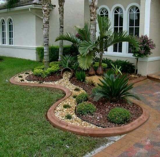 Pin By Vee On Jardin Small Backyard Landscaping Florida Landscaping Front Yard Landscaping