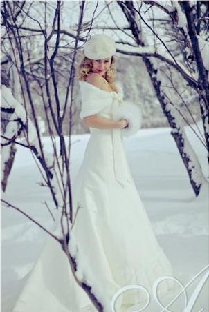 How to Create a Winter Wonderland Wedding. (not doing that, but I love this picture!)