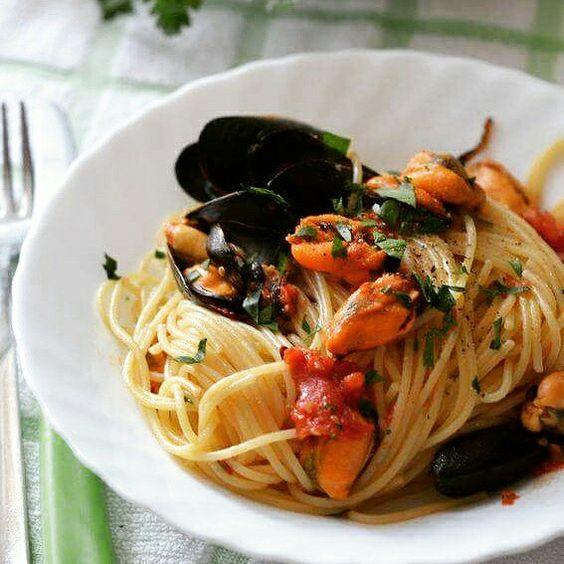 #spaghetti con le #cozze #ricetta http://goo.gl/zTZQbH troppo presto per pranzo? ditemi di no.... ditemi di no... :P #mieledilavanda #food