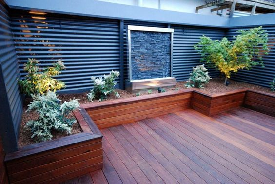 Outdoor grabbing exterior beauty with small backyard for Small backyard decks