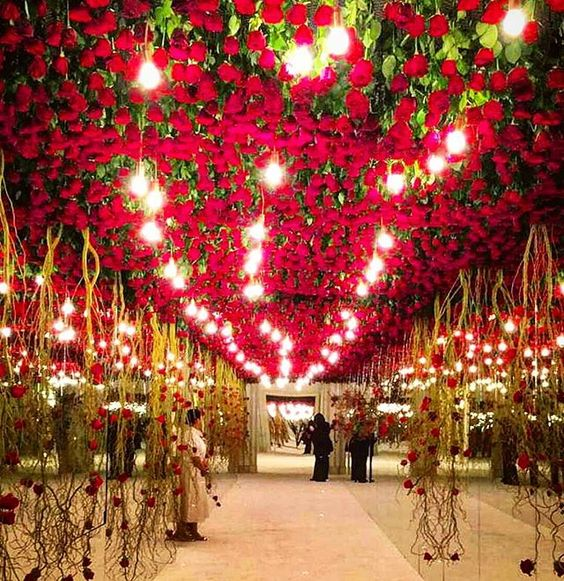 Stunning Ceiling Decor Ideas You Can Steal For Your Wedding!| Are you dreaming of a Red wedding reception ❤❤ ?!? | superbly-beautiful rose ceiling decor | Function Mania | wedding decor ideas