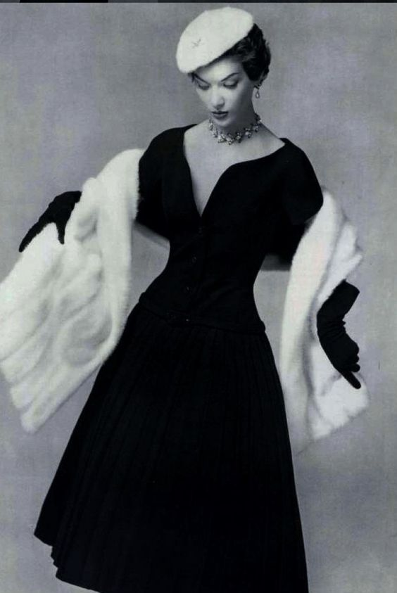 Dior christian dior and christian on pinterest for 1960 s haute couture