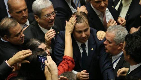 NePAItismo: 49% dos deputados vêm de famílias de políticos