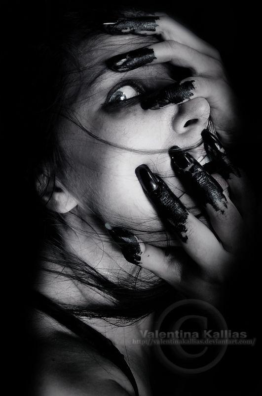 Eerie   Creepy   Surreal   Uncanny   Strange   Macabre   不気味   Mystérieux   Strano   Posessed by ValentinaKallias