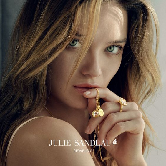 Julie Sandlau smykker | Smykker i kobber, Smykker, Øreringe