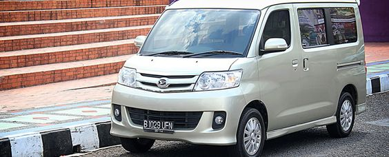 Pin By Dazzle Auto Trading On Toyota Hiace Brand New Ambulance