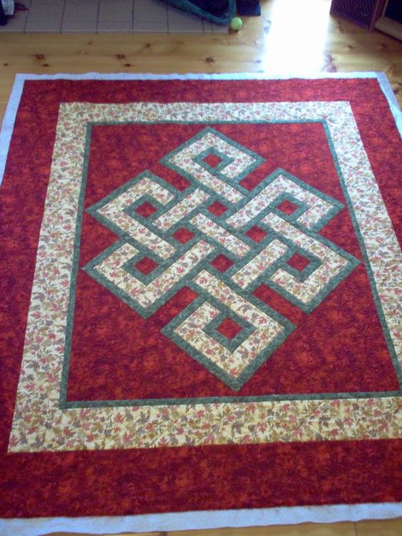 Gordian knot quilt pattern free honorable mention for Bed quilting designs