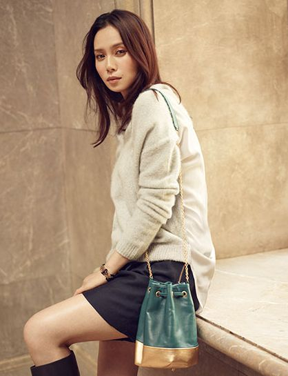 中谷美紀ミニスカートが似合う美しい画像