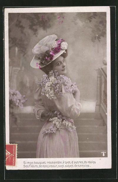old postcard: AK Frau mit weißem Stoffhut mit Rosen und Blumen auf dem Kleid