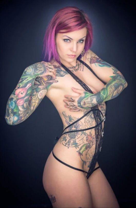 tattooed women xxx Tattoo XXX Videos - Badass hotties with tats get fucked and.