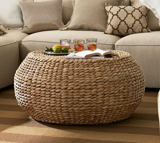 Handwoven of natural seagrass, this table reveals the beautiful color variations and texture of the fibers. Its substantial size makes it the perfect spot to place snacks or a casual display.