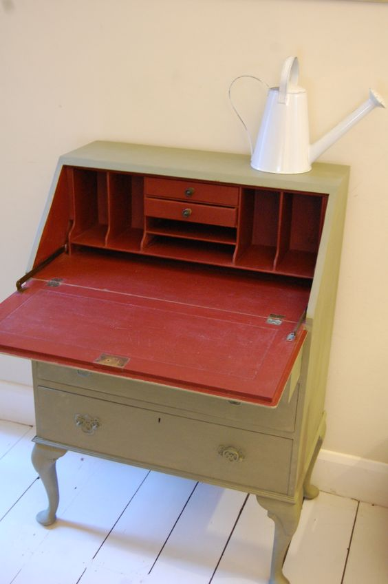 primer red chalk paint furniture | chalk paint, natural wax, distressed, aged, versailles, primer red ...