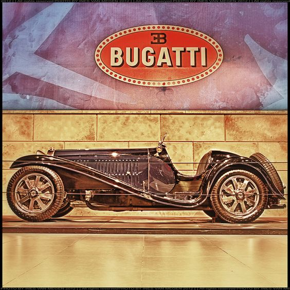 Bugatti Type 54 Bachelier Roadster 1932 bicolor vr  Louwman museum - Den Haag - Netherland    INES VAN MEGEN PHOTOGRAPHY  most interesting or website    ...with 3 exposures     Nice bugatti photo found on the web