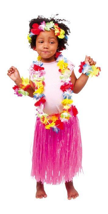 Wie eine kleine Hawaiianerin können die kleinen Mädchen in diesem farbenfrohen Kostüm bestehend aus Rock, Oberteil, Kette, Arm- und Stirnband den Hula tanzen. Rockumfang: von 29 bis 95 cm