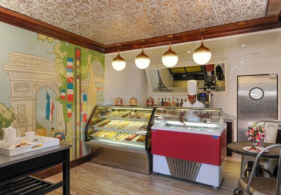 Cafe de Paris.