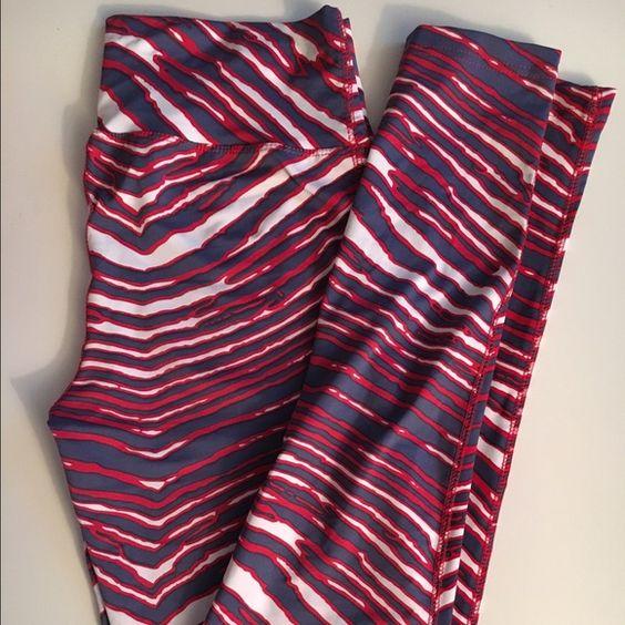 Buffalo Bills zubaz leggings, size M Stretchy spandex leggings. Super comfy. Perfect for tailgating!! ❤️❤️ Zubaz Pants Leggings