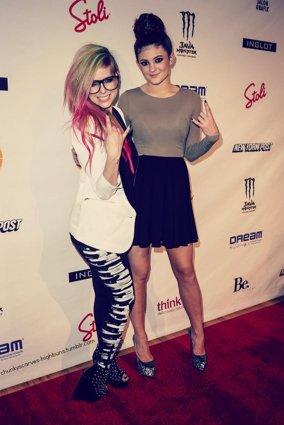 Avril lavigne & Kylie jenner