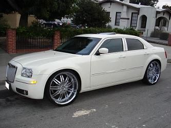 Chrysler 300 On 24 Inch Rims Find The Classic Rims Of Your