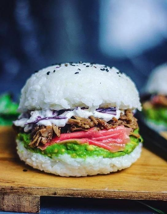 Sushi burger : connaissez-vous le sushi burger au riz ? - Elle à Table
