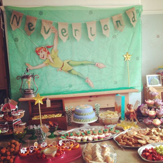 Peter Pan Party treat table