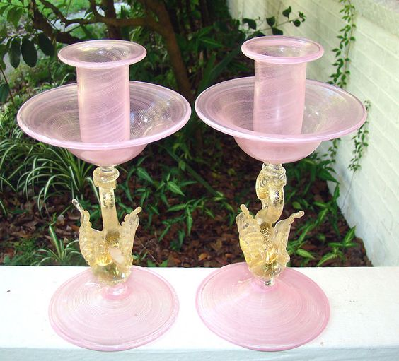 Pair of vintage Murano pink swirl glass and gold swans candlesticks by Salviati, Venice, Italy mid. 20th Cent.