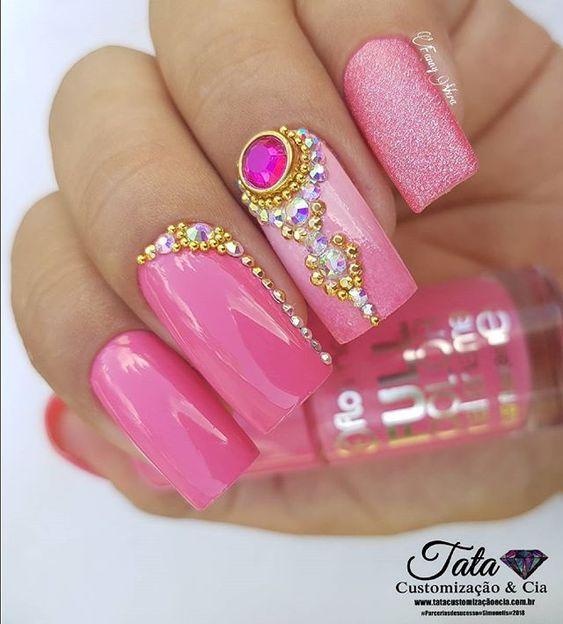 www.tatacustomizaçãoecia.com.br ❤ As melhores pedrarias voçe encontra só em um lugar no site da Tata❤❤ Para comprar acessem o site www.tatacustomizaçãoecia.com.br @tata_customizacao_e_cia @simonesemanech #simonetis #pedrarianasunhas #tatacustomização #nails #nailsluxo #nailartwow #nailart #nailsart #topcure #nailsshow #nailaddict #nailsdesign #unhasdasemana #nailart