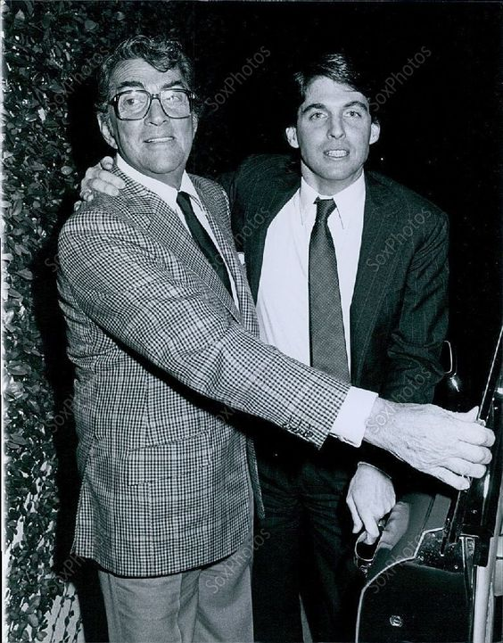 CA217 1983 Dean Martin Ricci Jimmys Retaurant LA For Dinner Press Photo: