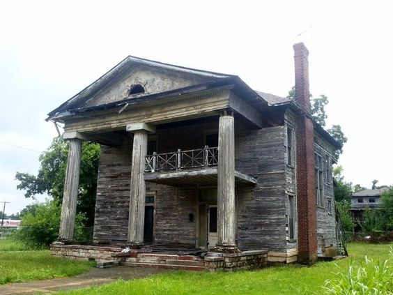 Mansions take a photo and church on pinterest for Home builders in birmingham alabama
