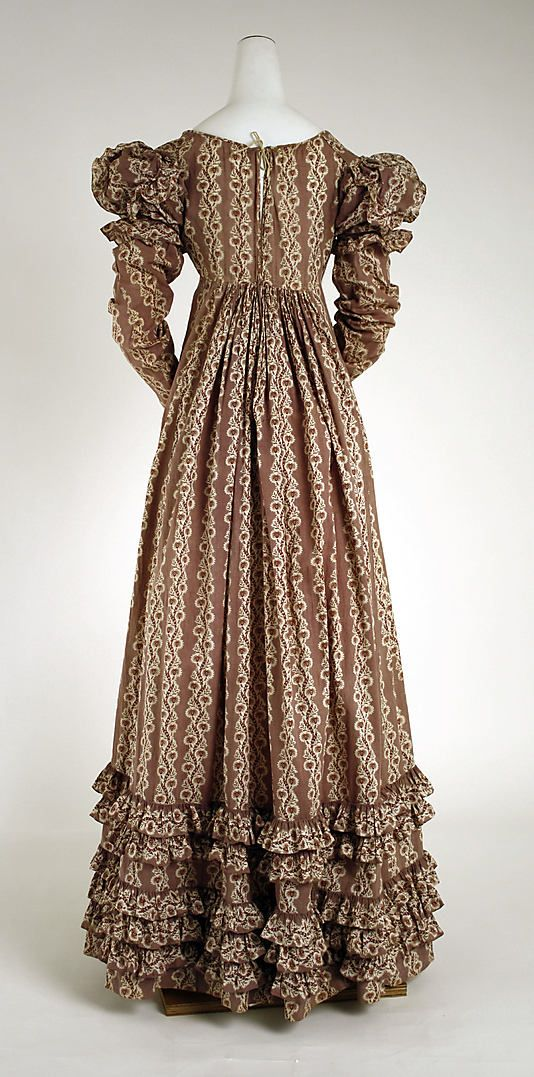 Haute couture victorian fashion dress gown from 1818 for American haute couture