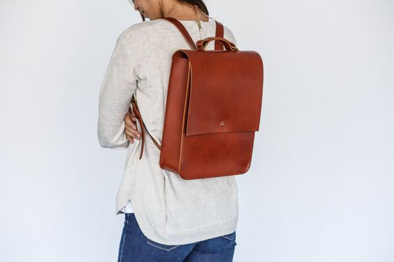 Emma  Boxy Tan en cuir sac à dos par GRACEGORDONLDN sur Etsy