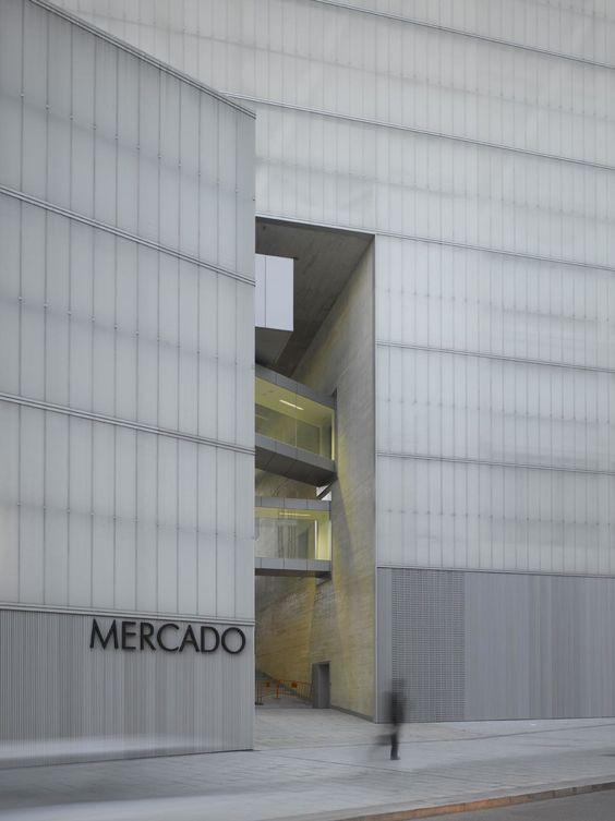 Nieto Sobejano Arquitectos, Roland Halbe - www.rolandhalbe.de · Barceló Mercado, Biblioteca y Sala de Deporte · Divisare