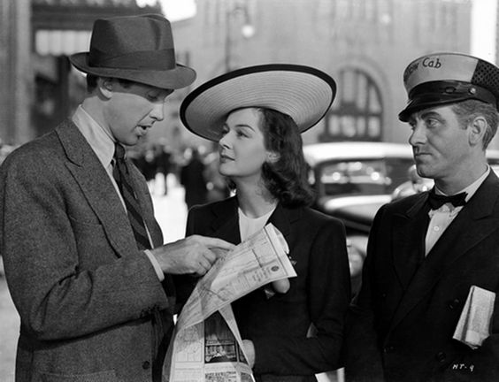 Jimmy Stewart and Rosalind Russell are a little lost in No Time For Comedy (1940)
