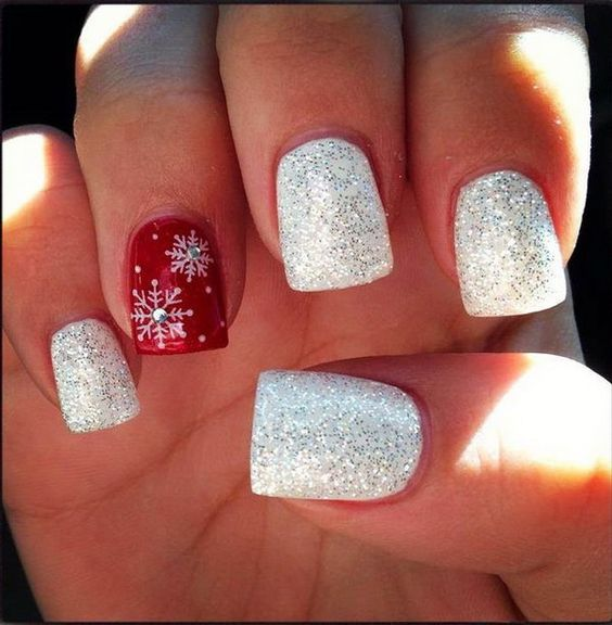 Red Sparkle Snowflake Christmas Nails: