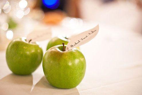 Manzanas como Tarjetas de Asiento -- Fotografía: One and Only Paris