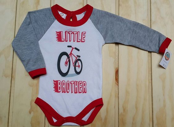 Little Brother / Hermano Menor