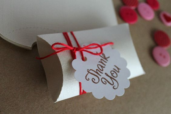 10 DIY Pillow boxes/Pillowbox kit/Partyfavors on Etsy, $12.00