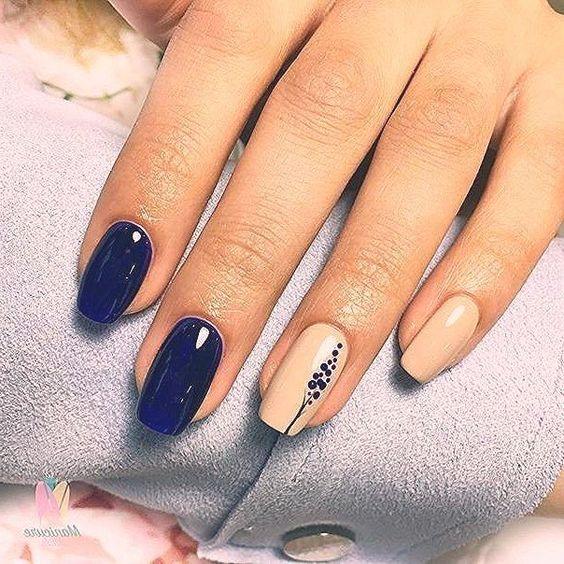 #Simple #glitter #autumn #wedding #short #manicure    - 2020 #nails #naildesign #christmas